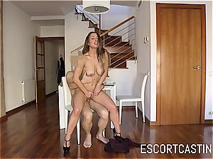 stellar Taylor Sands proves that she can sate a fellow