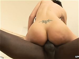 ample culo milky doll Ava Rose rides thick dark-hued pipe
