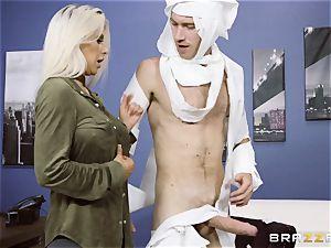 penis enjoying platinum-blonde Rachel Roxx getting smashed by Danny D