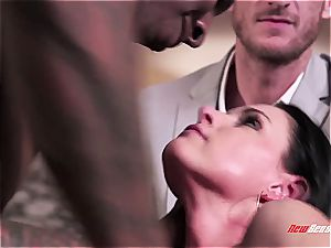 hot wifey India Summer orgasming on a black trunk