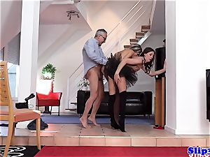 Glam eurobabe analed in fancy three way