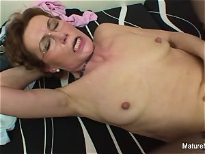Mature whore with glasses luvs getting romped