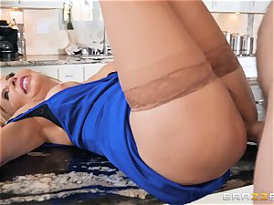 older sweetie Erica Lauren humped in her tight cootchie and butt