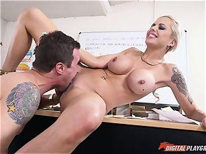 super-fucking-hot rump platinum-blonde Nina Elle inserted in her minge