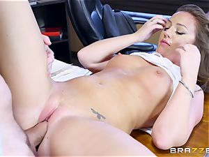 Maddy OReilly arched over and smashed