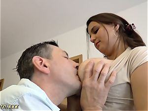 ample melon German gives red-hot titjob