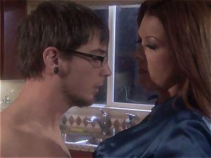 cougar stunner Raquel Devine spills this lucky guy