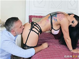 Brazzers Description to be added three