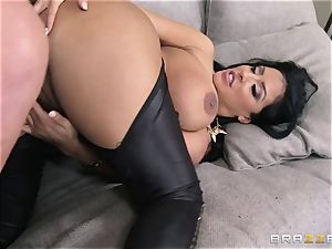 Phoenix Marie introduces Kiara Mia to buttfuck