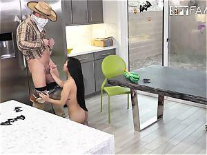 yankee cowboy Johnny Castle nails humble female D.Va