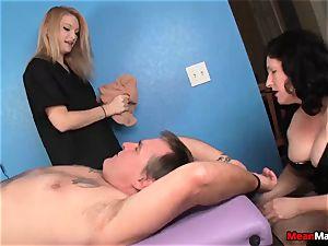 customer Shocks To observe The wondrous towheaded massagist