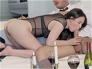 Seduced by a uber-sexy black-haired damsel