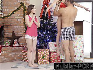 Nubiles-Porn His gift Is Riley Reid