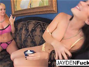 Jayden luvs to gobble Sophie's muff