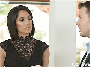 FuckingAwesome Chloe Amour gets drilled by MMA fighter