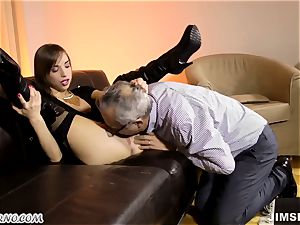 daddy porks his thin youthful daughter-in-law and blows a load in her