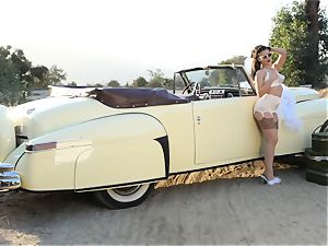 Lana Rhoades vintage car muff have fun
