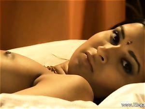 sensual indian milf Dancer stunner