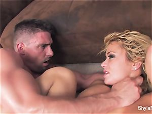 blonde mummy Shyla gets a hardcore pulverize and a facial cumshot