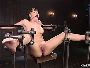 Set on metal bar with all weight on poon