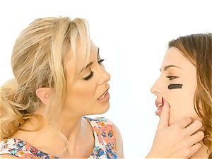 Kristen Scott gets private with sizzling stepmom Cherie Deville