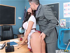 messy college girl Peta Jensen porks the fortunate dean